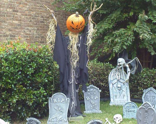 Sleepy Hollow Scarecrow graveyard and Vampire Bat