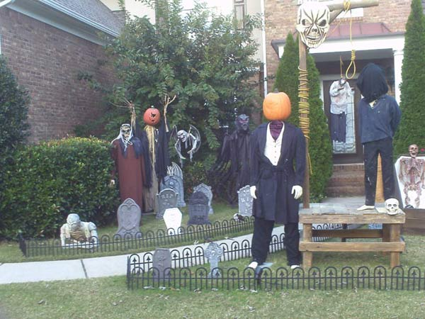 Halloween Scene Gallows, executioner Sleepy Hollow scarecrow, coffin corpse
