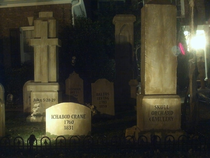 Night View Graveyard Skull Orchard Cemetery Ichabod Crane, Baltus Irving and Cross Head Stones