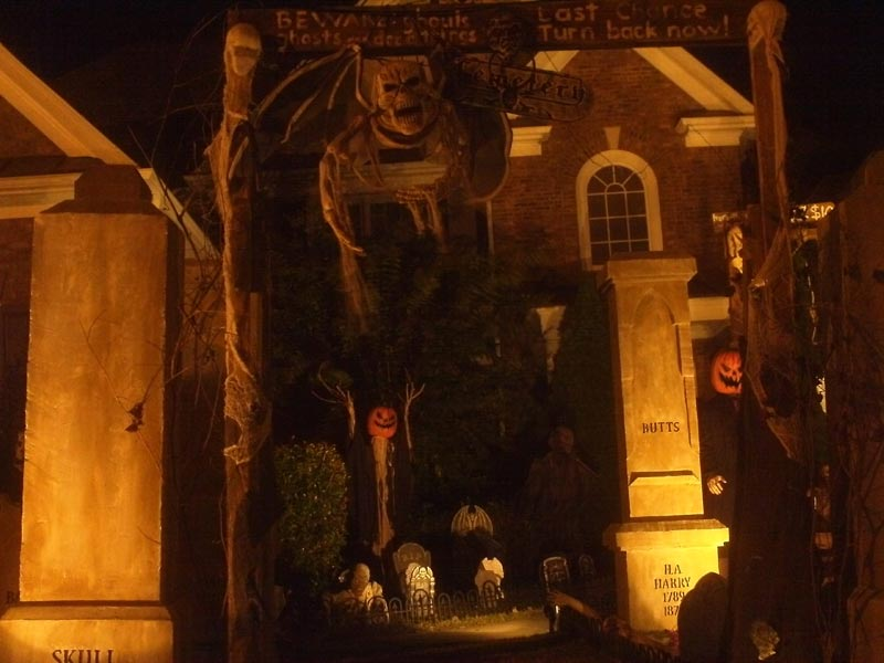 Best Halloween 2015 display Entrance Skull Orchard Cemetery