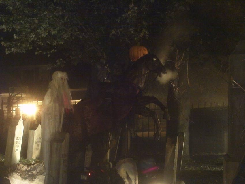 Night View Halloween Graveyard with PennyWise Clown, Wolf Creature and Mummy